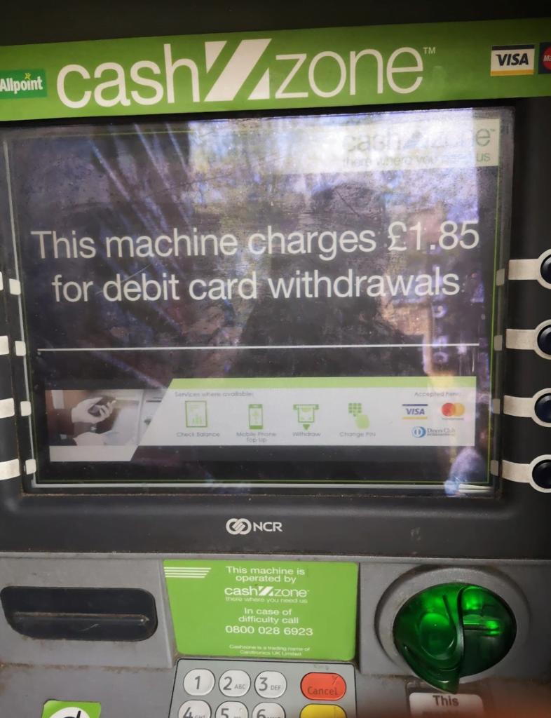 Máquinas ATM com custos em Londres
