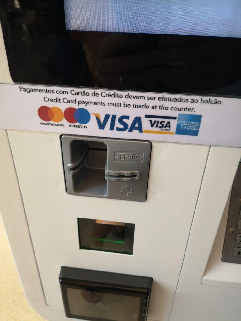 Máquinas de pedido sem contrato com Visa ou Mastercard